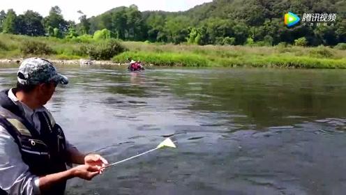 钓鱼:这样的钓鱼竿我是第一次见,你见过吗?