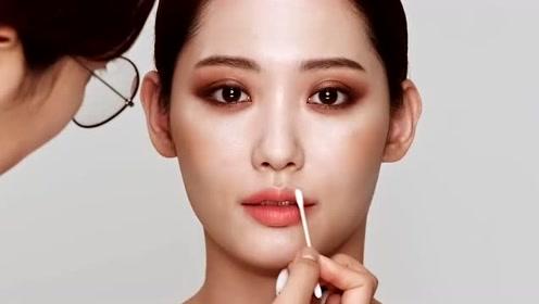 小姐姐长得好看,化个韩式妆容,摇身变气质韩国美女