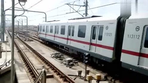 地铁开到终点站后,都是怎么掉头的?看完佩服中国工程师的智慧!