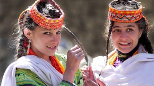 """巴基斯坦""""蓝眼睛""""部落,女人穿裤子,就永远嫁不出去!"""