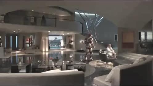 钢铁侠智能管家贾维斯厉害了,没有钢铁侠操控,贾维斯就能自动救人