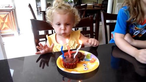 小宝宝过生日,竟然自己给自己唱生日歌,这是全网混最惨的娃了吧