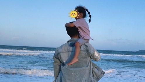 陈赫生日陪女儿逛超市,伸手摸女儿头的样子,简直父爱满满