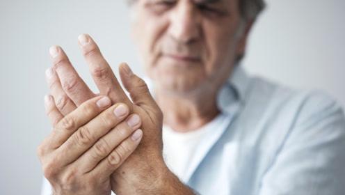 """经常手脚发麻,别不当回事,可能是3种疾病""""找""""上你"""