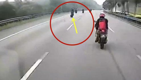 视频车没想到,会遇上这样的车祸!摩托男子当场丢了性命