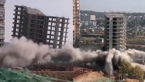 现场!景德镇一未完工14层大楼成功爆破 政府:要建设古码头