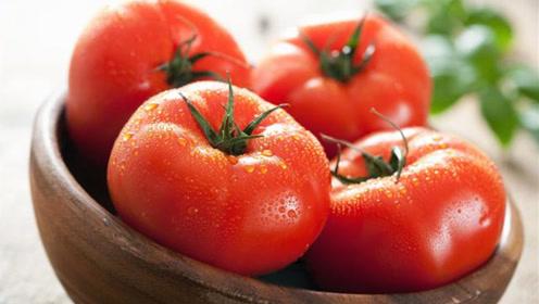 西红柿是生吃好还是熟吃好?好多人一知半解,专家告诉你正确吃法