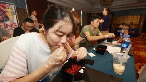 揭秘中国品虾师:天天吃龙虾年薪50万,多数人过不了面试!