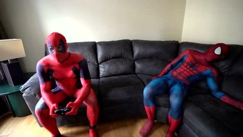 现实生活中的蜘蛛侠:假期度假ing,日子过得不要太自在,酸了