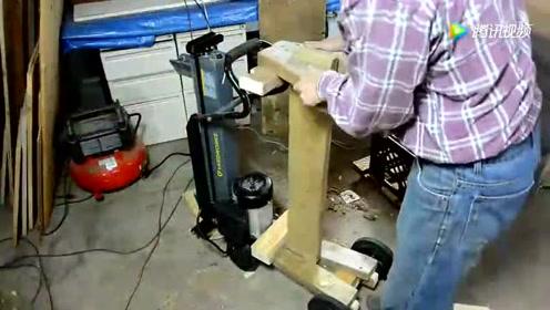 木工把电动劈材机加个架子,就特别好用,创意不错