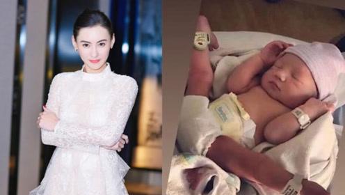 张柏芝一周岁小儿子萌喊爸爸,吐字清晰,一家人生活在一起?