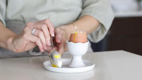 每天吃一个鸡蛋,坚持一个月,身体变化看得到,年轻人要坚持!