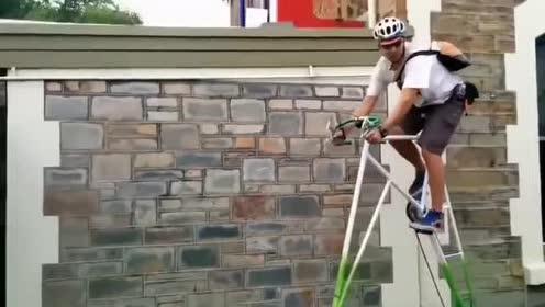 世界最高的自行车!骑着它小心碰到别人的阳台!佩服他的勇气