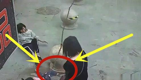 初中女孩太恶毒,因自己一时之快,让3岁孩童失去右脚!