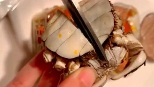 第一次吃这么贵的螃蟹,打开之后才发现,这钱真是没白花啊