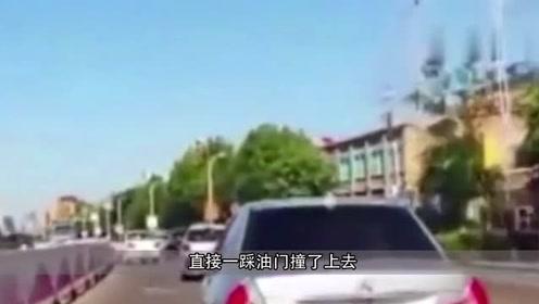 三菱车一分钟别车8次,好脾气也被你惹怒了,老司机彻底失去耐心!