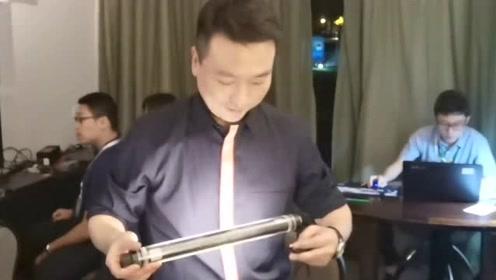 """康辉走网红路线,出远门揭秘""""秘密武器"""""""