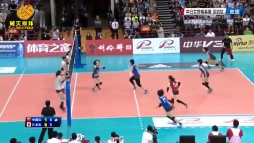 """这还怎么玩?中国女排一球里""""七次拦网""""日本,日本女排像对着一堵城墙扣球"""