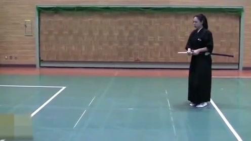 """日本武士拔刀最快有多快?日本9段级刀手演绎""""一刀决胜""""之技"""