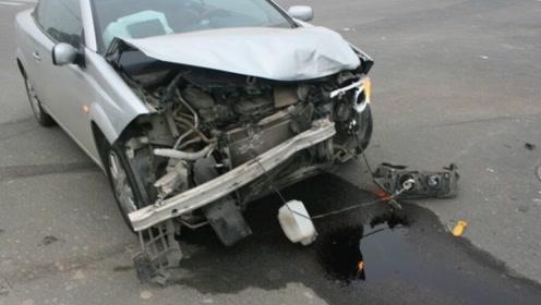 刹车失灵前出现的5种征兆,很多司机不知道,别等到失灵后再后悔!