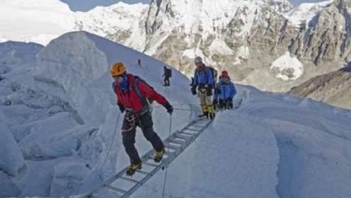 为什么珠穆朗玛峰山顶上有个梯子?究竟是谁搭的?今天总算明白了!