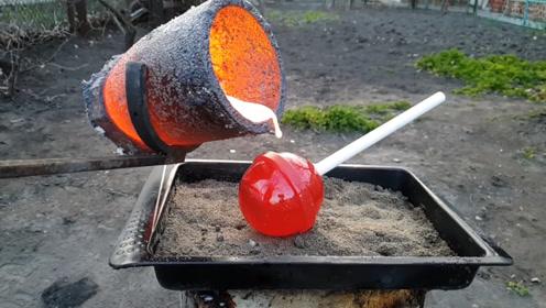 1000度熔铜浇在棒棒糖上,棒棒糖反应令人所料不及,什么做的?