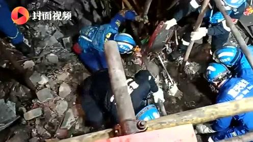 达州清河古镇一百年老屋坍塌 两户人被埋其中一老人身亡