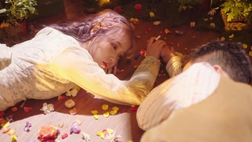 IU 《above the time》MV
