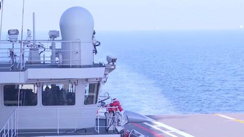 我国第二艘航母通过台湾海峡!