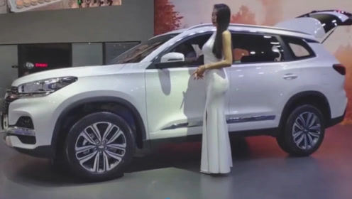 奇瑞又一款SUV火了!新车比宝马X6还帅,10万块配置厚道内饰豪华
