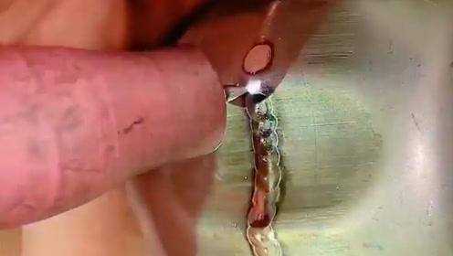 满意的焊接技术!老师傅的技艺令人敬畏