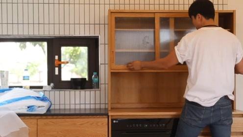 小伙打造一套实木橱柜,这材料和做工搞下来,2万块钱下不来吧?