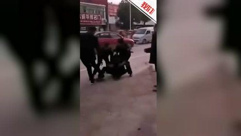 河南光山男子驾车冲撞政府工作人员致两死一伤 伤者危重已转院