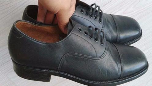 皮鞋蹭破皮不要扔,鞋店老板教我个绝招,皮鞋完好无损,方法真棒