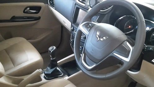 2020款五菱宏光Confero S,打开车门看到三排空间买不买自己定
