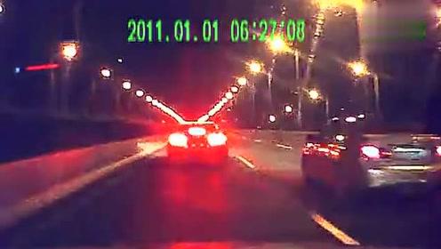 牛逼哥哥!大众辉腾W12在上海南北高架对飙GT-R不落下风