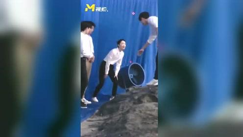 《星辰大海》MV录制花絮 刘昊然王俊凯陈飞宇 同穿养眼白衬衣亮相