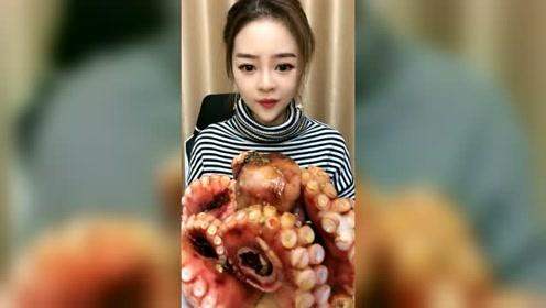 这个章鱼好大啊,看得我都流口水了