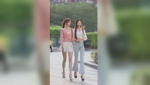 左边的姑娘美,还是右边的姑娘美?我觉得还是腿最美!