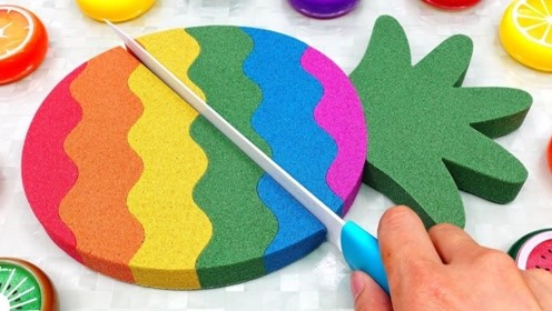 牛人用太空沙自制彩虹菠萝,成品效果惊艳,网友:看完感觉很解压