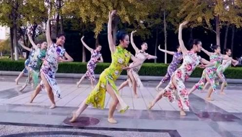 旗袍美女舞一曲久违的古风《归去来兮》,网友:各具风韵!