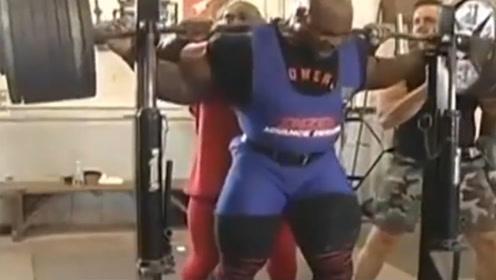 传奇人物体重282斤力量逆天,杠铃深蹲815磅简直就跟玩一样