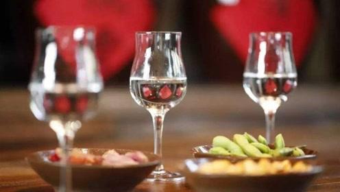 如何区分粮食酒、勾兑白酒?酒瓶代码很重要