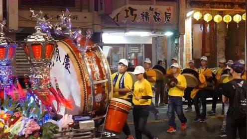 全台湾最强最整齐划一的轿前鼓,网友:这是台湾版的威风锣鼓?