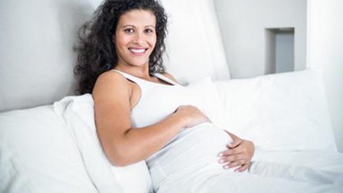 孕晚期肚子发硬是怎么回事?不止是假性宫缩,还可能是这些因素
