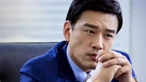 他是最专情的男星,与妻子青梅竹马宠爱30年,45岁仍帅气迷人
