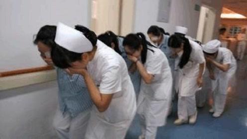 男子在网吧7天7夜, 第8天去了医院, 护士都不敢碰!
