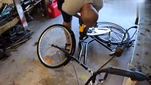 牛人改装一辆电动三轮车,这成品太酷了,够他吹好久了!