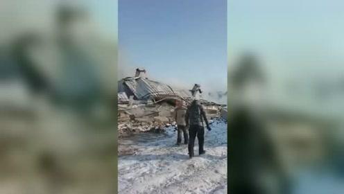 养猪场被大火烧塌 数十头猪葬身火海损失惨重