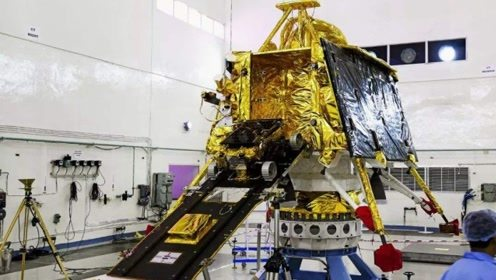 """""""硬着陆""""实锤!美探测器发现月船2号残骸,在月球表面碎裂成渣"""
